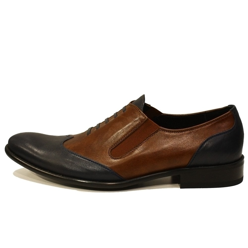 Fabrication commercial leather shoes with leather soles